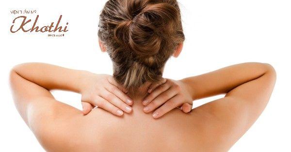 Làm căng da cổ bằng cách massage