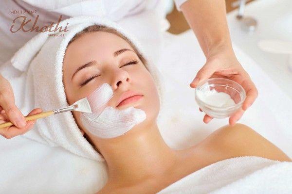 Sử dụng mặt nạ sau khi thực hiện điện di giúp nuôi dưỡng làn da khỏe mạnh