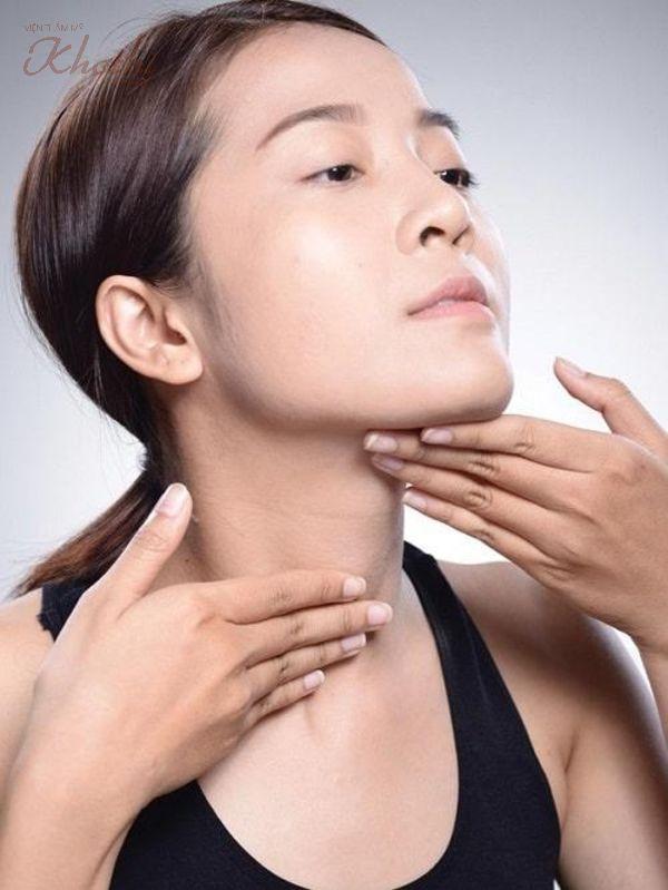Làm thon mặt bằng thìa không có tác dụng với người bẩm sinh có xương hàm lớn