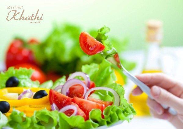 Sử dụng nhiều rau xanh và trái cây để tăng cường vitamin cho cơ thể