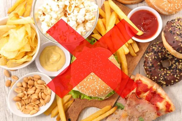 Những loại thức ăn nhanh sẽ dễn gây tăng cân và không tốt cho kết quả nâng cơ mặt