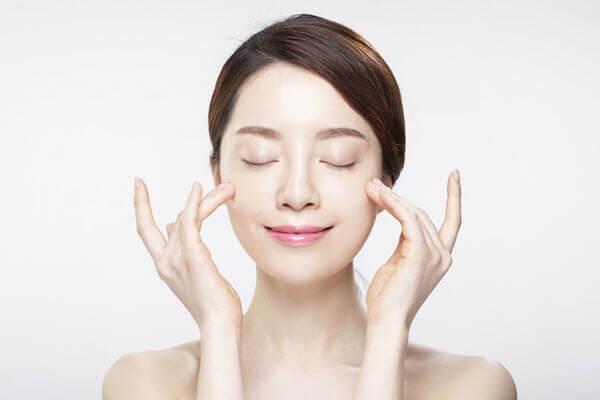 Các cách trẻ hóa da mặt tại nhà dựa trên nguyên lý cung cấp dưỡng chất và bảo vệ da khỏi tác nhân gây lão hóa.