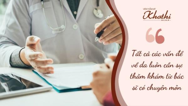 Một người đang thăm khám bác sĩ có chuyên môn sẽ giúp bạn tiết kiệm thời gian và có lộ trình điều trị bài bản.