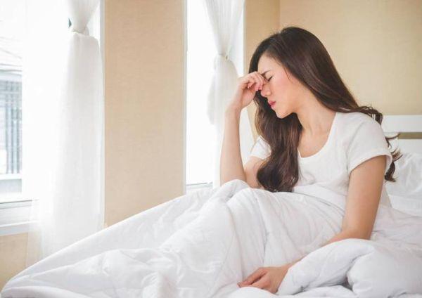 Buổi sáng dậy, cơ thể còn yếu, nên tránh uống bột sắn dây