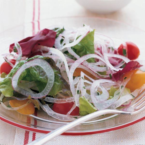 Giảm cân bằng salad hành tây đơn giản, hiệu quả