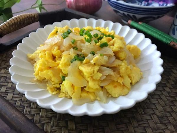 Trứng và hành tây giảm cân hiệu quả, đảm bảo dinh dưỡng