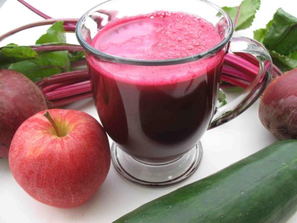 Nước ép củ dền kết hợp cùng táo và gừng có tác dụng giảm cân hiệu quả và tốt cho sức khỏe