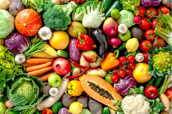 Lựa chọn trái cây và rau củ sạch để đảm bảo an toàn cho sức khỏe