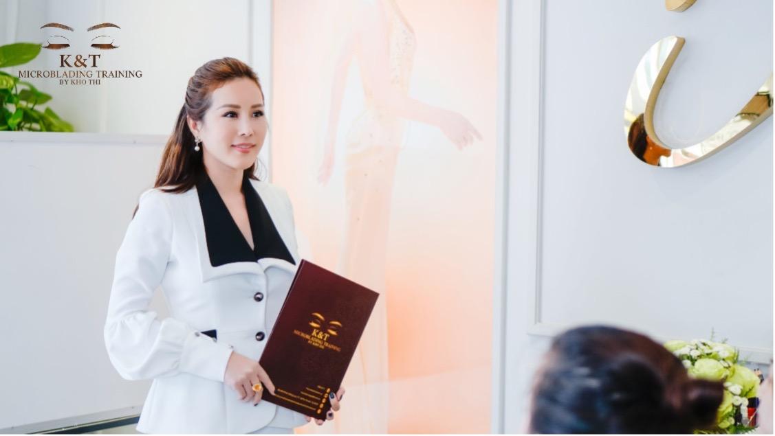 Hình ảnh Hoa hậu Quý bà Thu Hoài tại VTM Khơ Thị