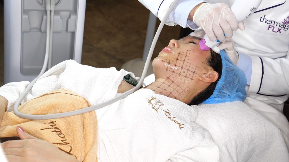 Hoa hậu Thu Hoài sử dụng Thermage FLX