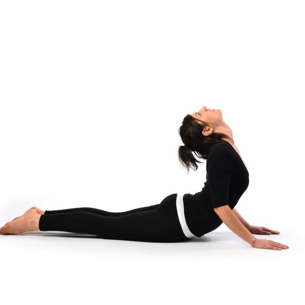 Động tác ngửa cổ lên trần nhà không chỉ giúp mặt thon gọn mà còn đem đến nhiều lợi ích về xương sống