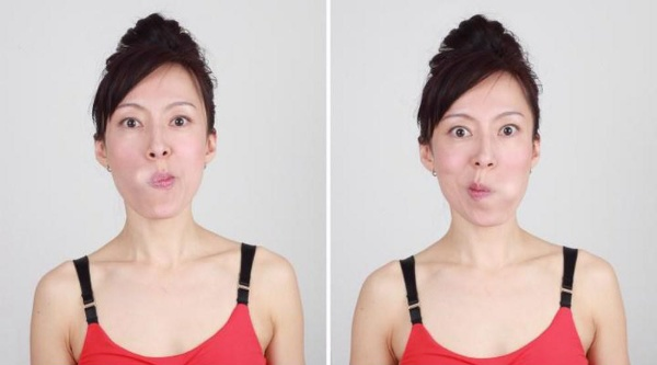 Phồng miệng và di chuyển sang trái phải trong 20 giây