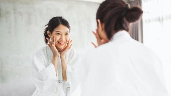Nâng cơ mặt bằng chỉ kích thích sự sản sinh collagen dưới da giúp da tươi trẻ hơn