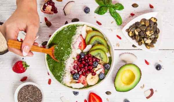 Cần có chế độ ăn giảm cân để hạn chế tích tụ mỡ ở mặt