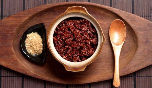giảm cân sau sinh 6 tháng khi đưa gạo lứt vào thực đơn