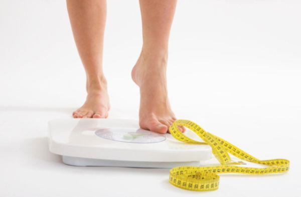 Theo dõi cân nặng, chỉ số cơ thể thường xuyên