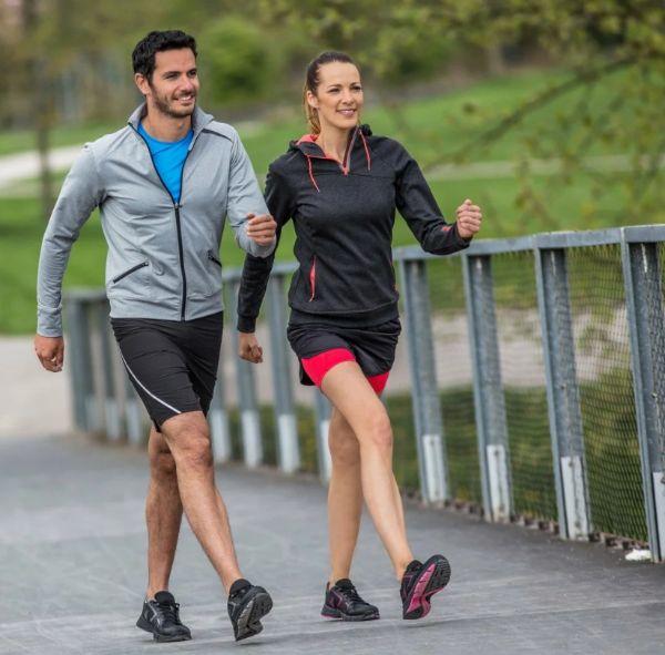Để đạt được hiệu quả cao khi đi bộ giảm cân sau sinh bạn cần đi đúng kỹ thuật.