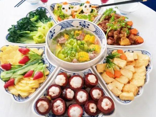 Lựa chọn thực đơn nhiều thịt, rau củ và hạn chế tinh bột.
