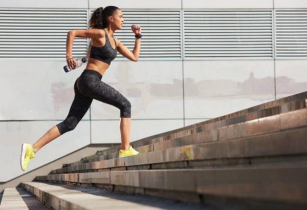 Giảm cân bằng leo cầu thang là phương pháp rèn luyện sức khỏe được nhiều người lựa chọn
