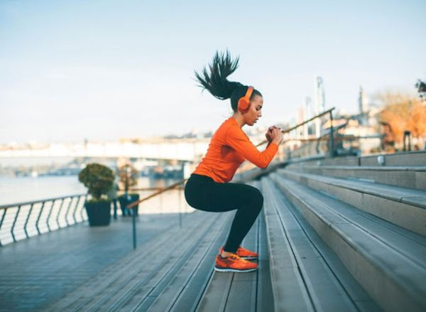 Kết hợp nhảy khi tập luyện với cầu thang