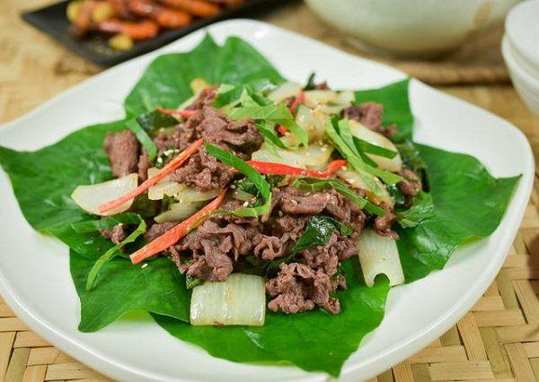 Thịt dê xào rau má là một món ăn nổi tiếng ở Ninh Bình