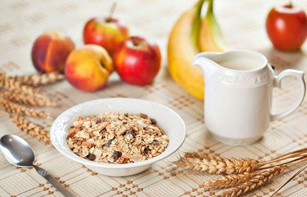 Ăn yến mạch và sữa tươi không đường vào mỗi sáng mang lại hiệu quả giảm cân bất ngờ