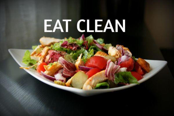 Chế độ ăn sạch (eat clean) chú trọng tăng cường rau xanh, hoa quả