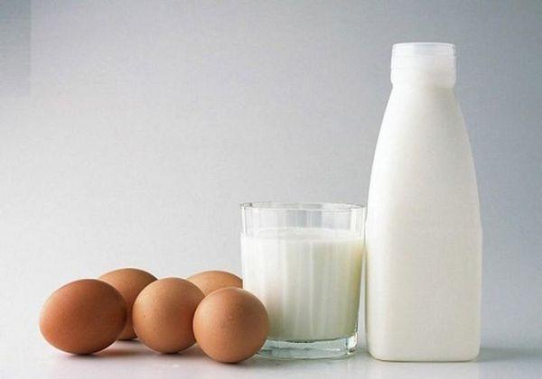 Bữa sáng trứng gà và sữa giúp cung cấp năng lượng cho cơ thể