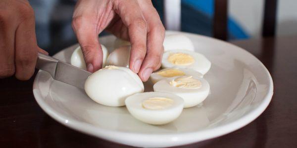 Lựa chọn thời điểm ăn trứng hợp lý sẽ giúp thúc đẩy đánh bay mỡ nhanh chóng