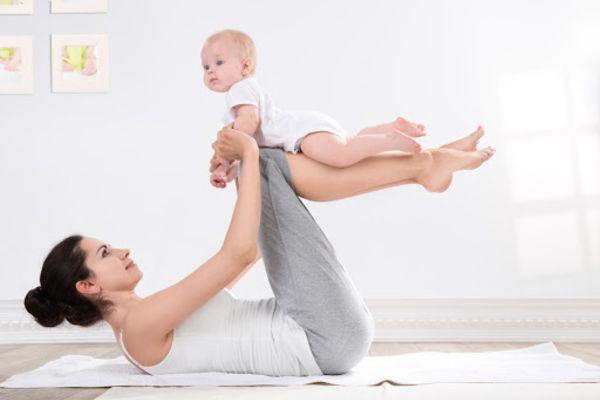 Tập thể dục ít nhất 30 phút mỗi ngày để giảm mỡ sau sinh