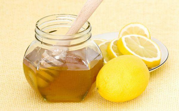 Chanh kết hợp mật ong giúp giảm cân sau sinh hiệu quả và an toàn cho mẹ