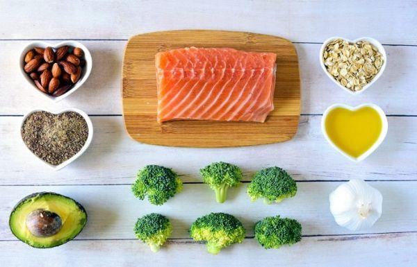 Chế độ dinh dưỡng, ăn uống cân bằng và tăng cường hoạt động thể thao