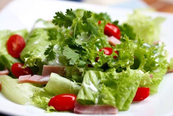 Salad dầu dừa giảm mỡ vùng eo nhanh chóng.