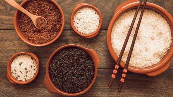 Gạo lứt ít calo giúp giảm cân