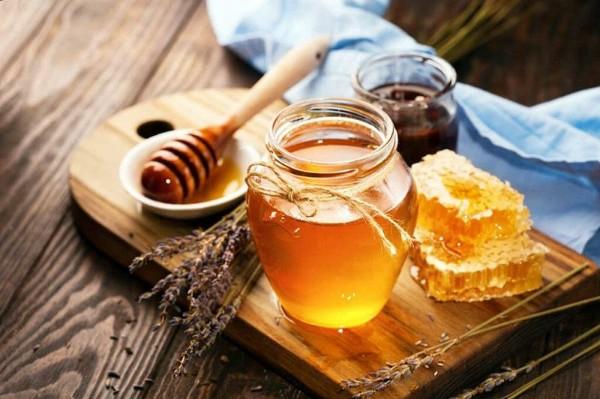 Sử dụng mật ong giảm cân sau sinh đúng các