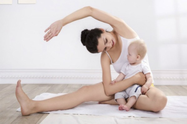 Yoga giúp giảm mỡ sau sinh tại nhà