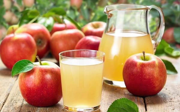Nước ép táo vừa giúp thanh nhiệt cơ thể vừa hỗ trợ giảm cân