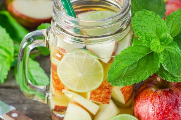 Giảm cân nhanh mà không cần tập luyện chỉ bằng trà detox táo